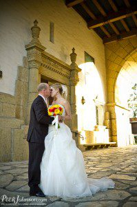 santa barbara wedding bride groom courthouse